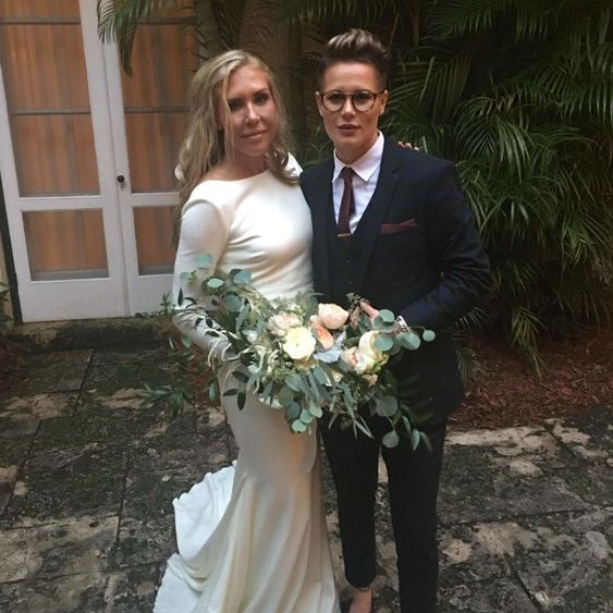 vrouwen-trouwpak vrouwentrouwen vrouwenentrouwen dames-pak